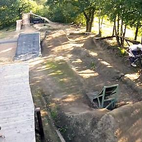 Hcore3.com bikepark z ptačí perspektivy